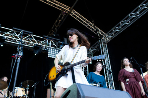 Feist performing at Laneway Festival. See more Laneway style from back stage and front of stage.  Image by Xiaohan Shen