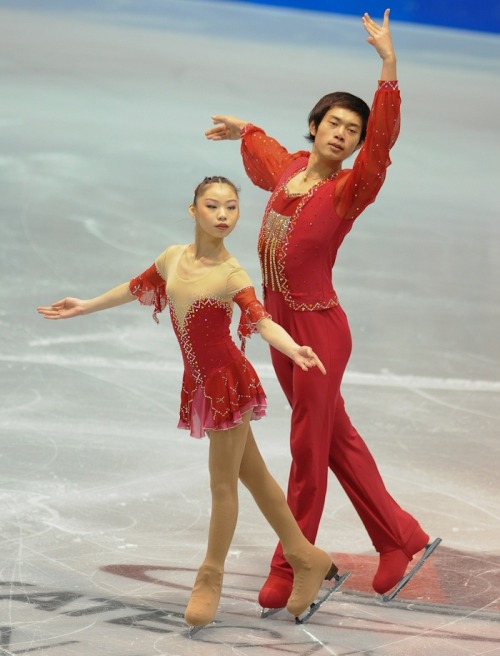 Xiaoyu Yu and Yang Jin skating to Tchaikovsky's The Nutcracker at the 2011 Skate Canada International.