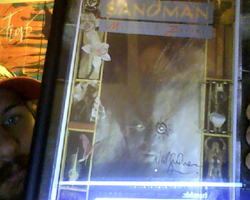 Framed my Neil Gaiman signed Sandman #1. Very productive Day.