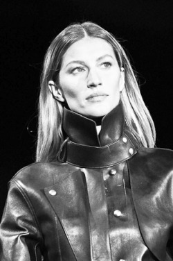 Just a peek from Alexander Wang FW 2012, yes! is Gisele.