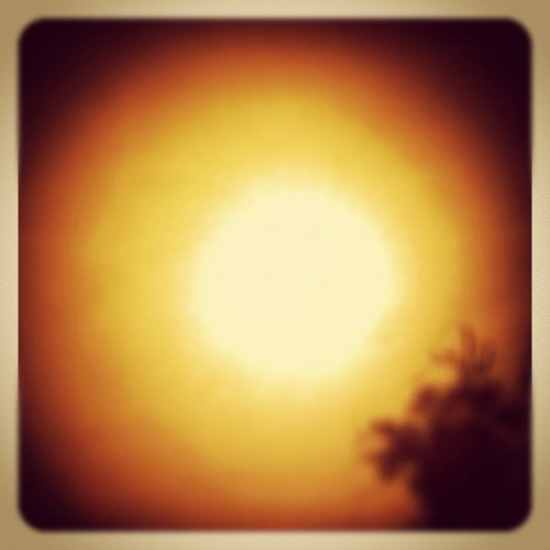 #sunrise #sunday #morning #iphoneography #iphonesia (Taken with instagram)