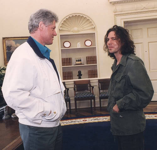 edwardlouisseversoniii:  bill clinton and eddie vedder