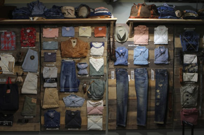 sundaypostage:  Hello Spring/Summer 2012 #LVC, Levi's Vintage Clothing.I'd say men get all the good stuff, but XS exists!