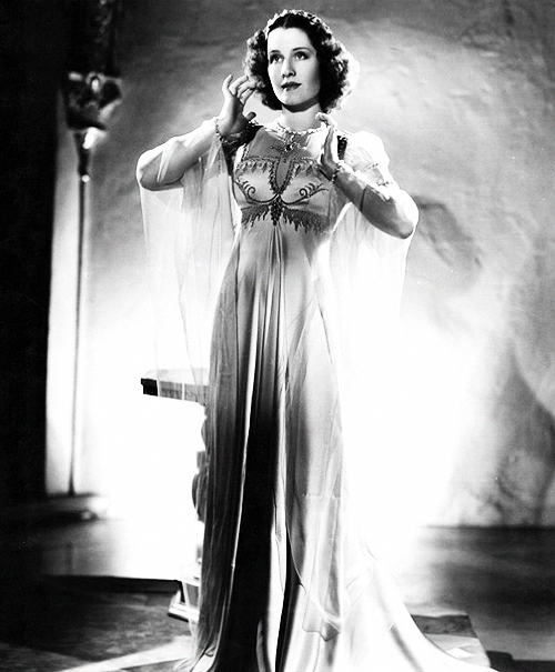 shebroods:  Norma Shearer in Romeo and Juliet (1936)
