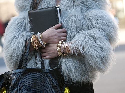 what-do-i-wear:  New York Fashion Week Street Style F/W 2012 (image: marieclaire)  Wow!
