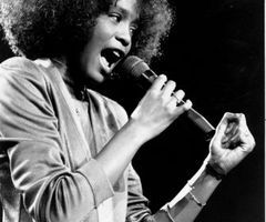 "lowkeykhrisb:  RIP 2 tha legendary R&B singer/actress"" Whitney Houston ❤"