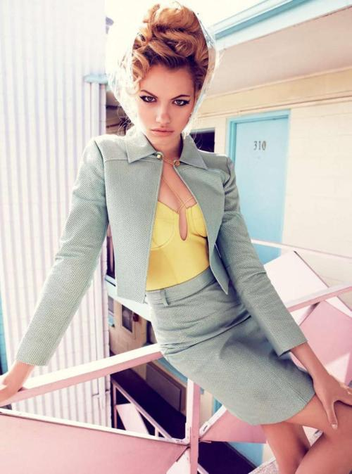 thebowsandthebeauty:  Vogue Australia February 2012 Model: Hailey Clauson Photographer: Nicole Bentley Stylist: Meg Gray