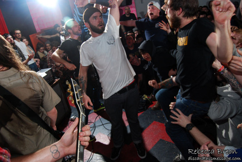 Pictures from Verse, Defeater, Soul Control, and Sweet Jesus are up now at http://www.discardthismessage.com