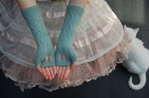 sionaland:  Catching Butterflies mittens by Tiny Owl Knits Pattern $5.50 This pattern was originally featured in Yarn Forward Magazine issue No. 35. April 2011