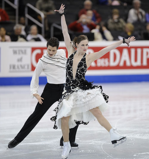 Tessa Virtue and Scott Moir skating the Paso Doble compulsory dance at the 2009 World Championships. Source: http://www.skatecanada.ca/tabid/4364/language/en-US/Default.aspx