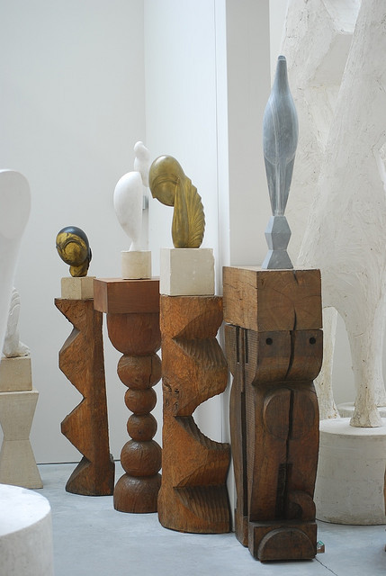 miss-mary-quite-contrary:  DSC_0784 by radu09 on Flickr. BRANCUSI Sculpture