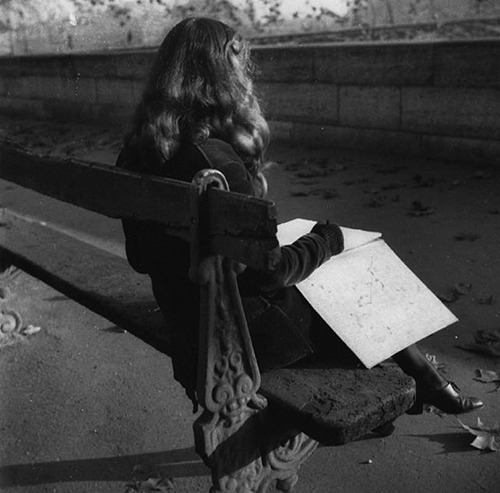 Edouard Boubat, Lella in Paris, 1950
