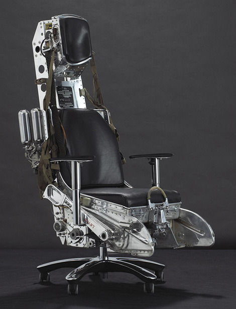 thisistheverge:  Lockheed F-104 Starfighter Ejection Seat | iainclaridge.net Just a simple desk chair, move along.