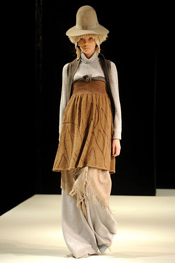 More crazy from Miguel Adrover Fall 2012 RTW, and I'm strangely attracted to this!