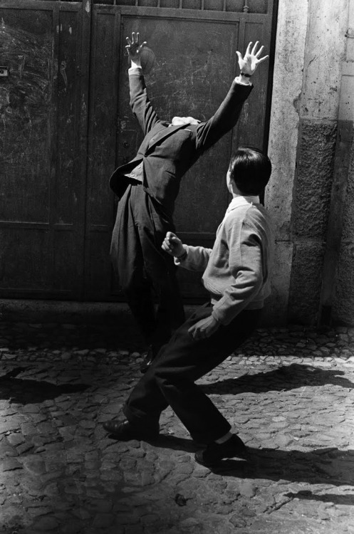 wonderfulambiguity:  Gerard Castello Lopes, Lisboa, 1957