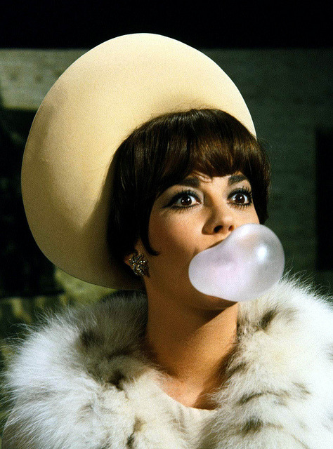 theswingingsixties:  Natalie Wood in 'Penelope', 1966.  You would not believe the things I can do with gum.