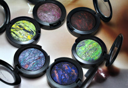 love beauty eyes green want makeup blue pink purple colourful yellow mac eyeshadow mineralized