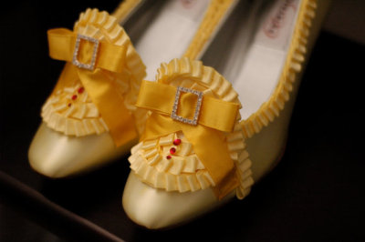(via Marie Antoinette Extra Ruffle Yellow Pumps by OxfordIsHeaven)