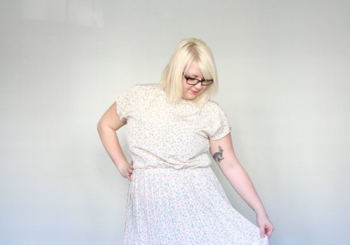 Orange cream & Mint Curvy gals love pastel vintage!