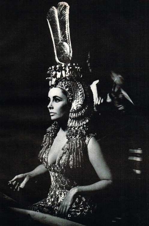 dtxmcclain:  Elizabeth Taylor in the makeup chair for Cleopatra, 1963