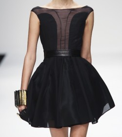 the-voguette:  omg i love this dress, who's the designer?