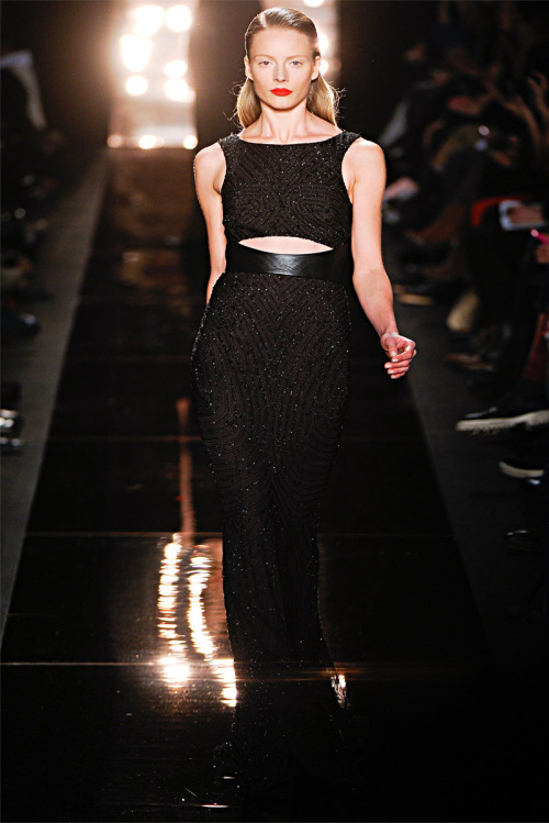 Monique Lhuillier F/W 2012 NYC. (vogue.it)