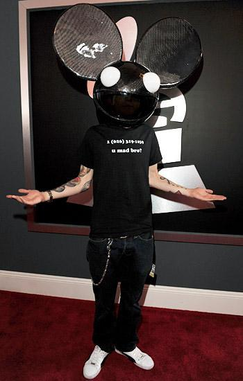 skrillex-the-sexgod:  Let the prank wars between Skrillmau5 begin!!