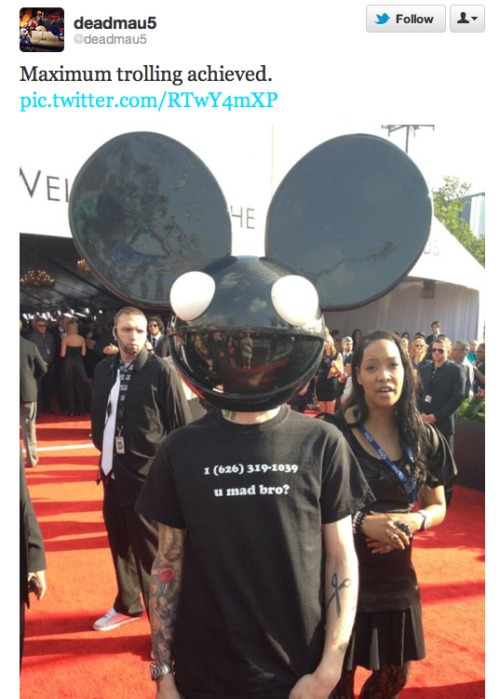 LOL, Deadmau5 wore a T-shirt with Skrillex's phone number at the Grammy's. Congrats to Skrillex though for his Grammy wins!