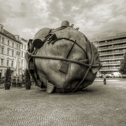 John Reiff Williams - Houseball ( 1996 ) Bethlehemkirch Platz , Mauerstrasse , Berlin Sculpture by Claes Oldenburg and Coosje van Bruggen