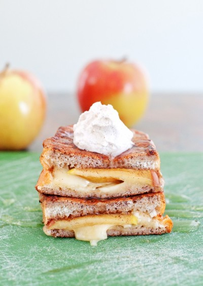 fuckyeahdeliciousfood:  Apple & Brie Stuffed French Toast
