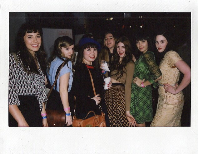 Blogger ladies at fashion week!