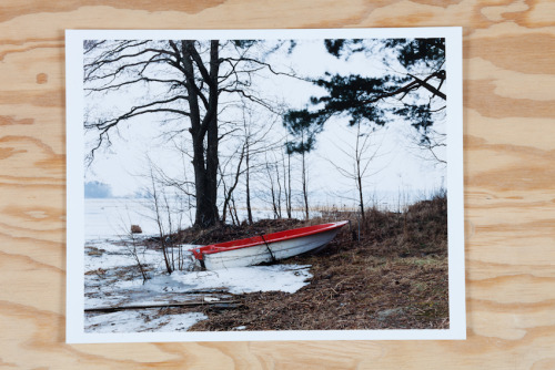 Landscape produced during an art residency in Kotka, Finland, January 2005. Supported by the Centre Culturel Français d'Helsinki. Handmade c. print from a color film negative. 24x30,5cm. 200$, 180€. Free shipping. Framing by the artist possible with additional fees. contact: thomashumery@gmail.com