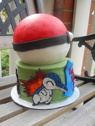 pokemon/ball cake