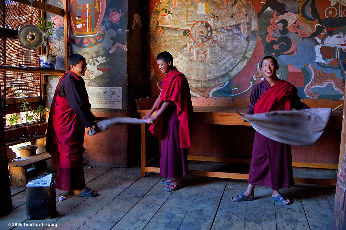 Novices At Work, Wangdue (Bhutan). Photo © Tewfic El-Sawy