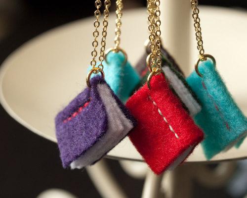 waltzingmatildablog:  Little felt book pendants!