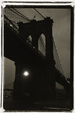 Brooklyn Bridge, Evening by Jefferson Hayman