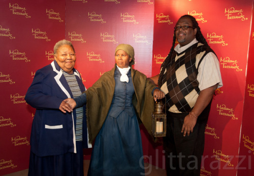 Madame Tussauds Unveils Harriet Tubman Wax Figure, Along With Activist's Relatives Read the whole Story and see the photos here!