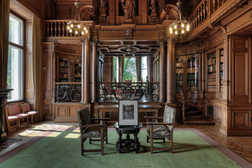 amandaonwriting:  Library of Villa Hügel, Germany
