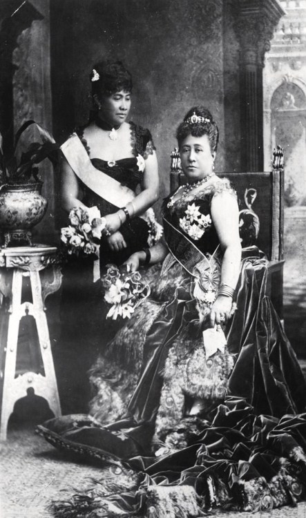 Queen Kapiolani and Crown Princess Liliuokalani of Hawaii at Queen Victoria's Golden Jubilee. London, 1887. Source: Hawaii State Archives