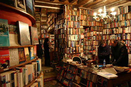 awritershigh:  shakespeare and co. in paris, open all night! (by Frans & all)