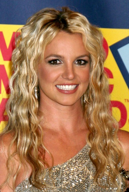 britneyspears:  Britney was named one of the top 7 most inspirational celebrities by Yahoo.com UK- congratulations to Britney for being such an inspiration to so many! http://yhoo.it/yVWwLT