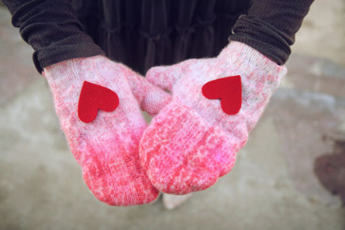 DIY Inspiration: Dip-dyed Mittens From an Old Sweater