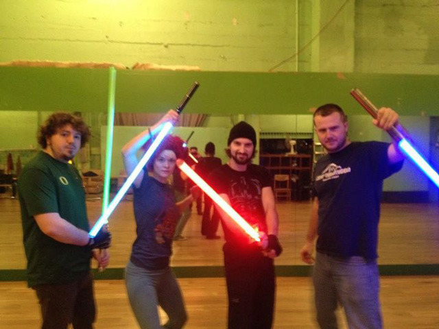 (via laughingsquid) Golden Gate Knights Lightsaber Training School Do they teach Jedi mindtricks? That would be memorable.