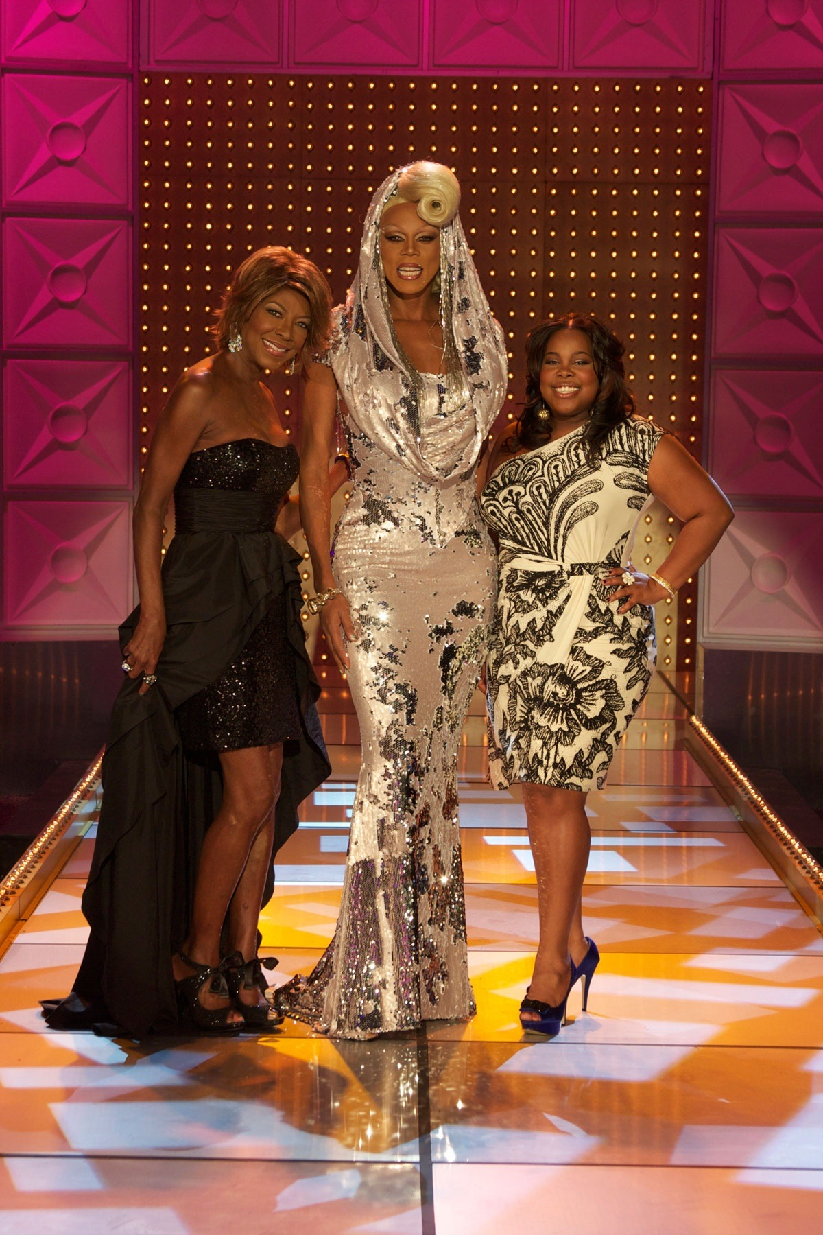 Natalie, Natalie Cole, RuPaul - Yes I will be a judge on Rupaul's DragRace tonight along with Natalie Cole! Tune in on LOGO