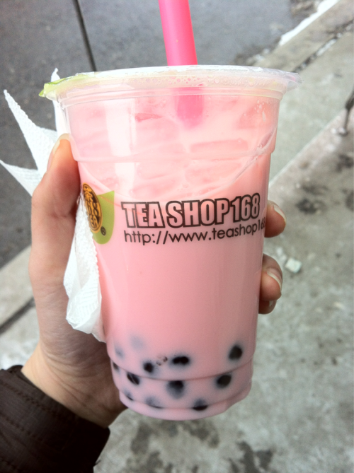 Yummy. Strawberry milk tea :$ with tapioca fav.