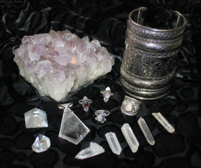 fuckyeahhealingstones:  astral-travel:  My beautiful new finds  So lovely!