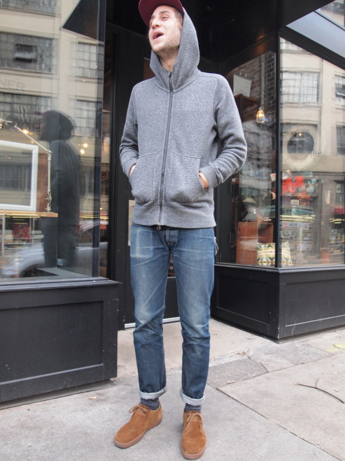 Here is Jack and his pair of Petite Standard, APC is dominant in the denim market in Rose city. It's not like people don't wear Japanese or other higher end U.S. raw denims in here, but interestingly people who can afford those are much less likely to have the time and choice to wear their precious jeans 24/7 to grow some ravishing honey combs.