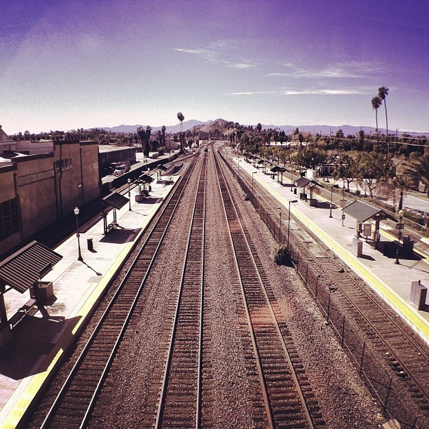 dirkdallas:  Metrolink #dirka #dirk #dallas #dirkdallas #iPhone #iPhoneography #Photo #Pic #beautiful #Photography #pics #photos #iPhone #iPhone4S #mobile #photography #cellphone #mobilephotography #train #metrolink