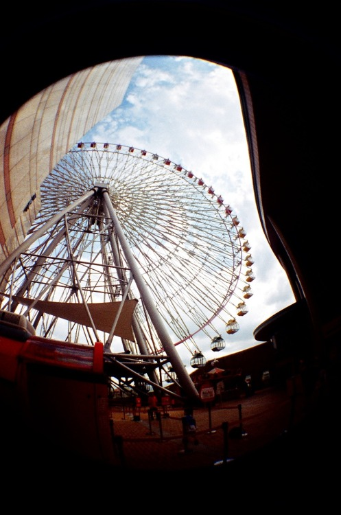 Asia in Fisheye [11]: Ferris Wheel at Miramar ( 美麗華) in Taipei (台北), Taiwan (台灣).