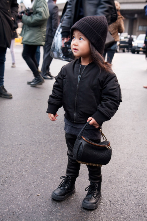 what-do-i-wear:  Alexander Wang's niece Aila, dect out in custom threads   Can you imagine? Love the tote!
